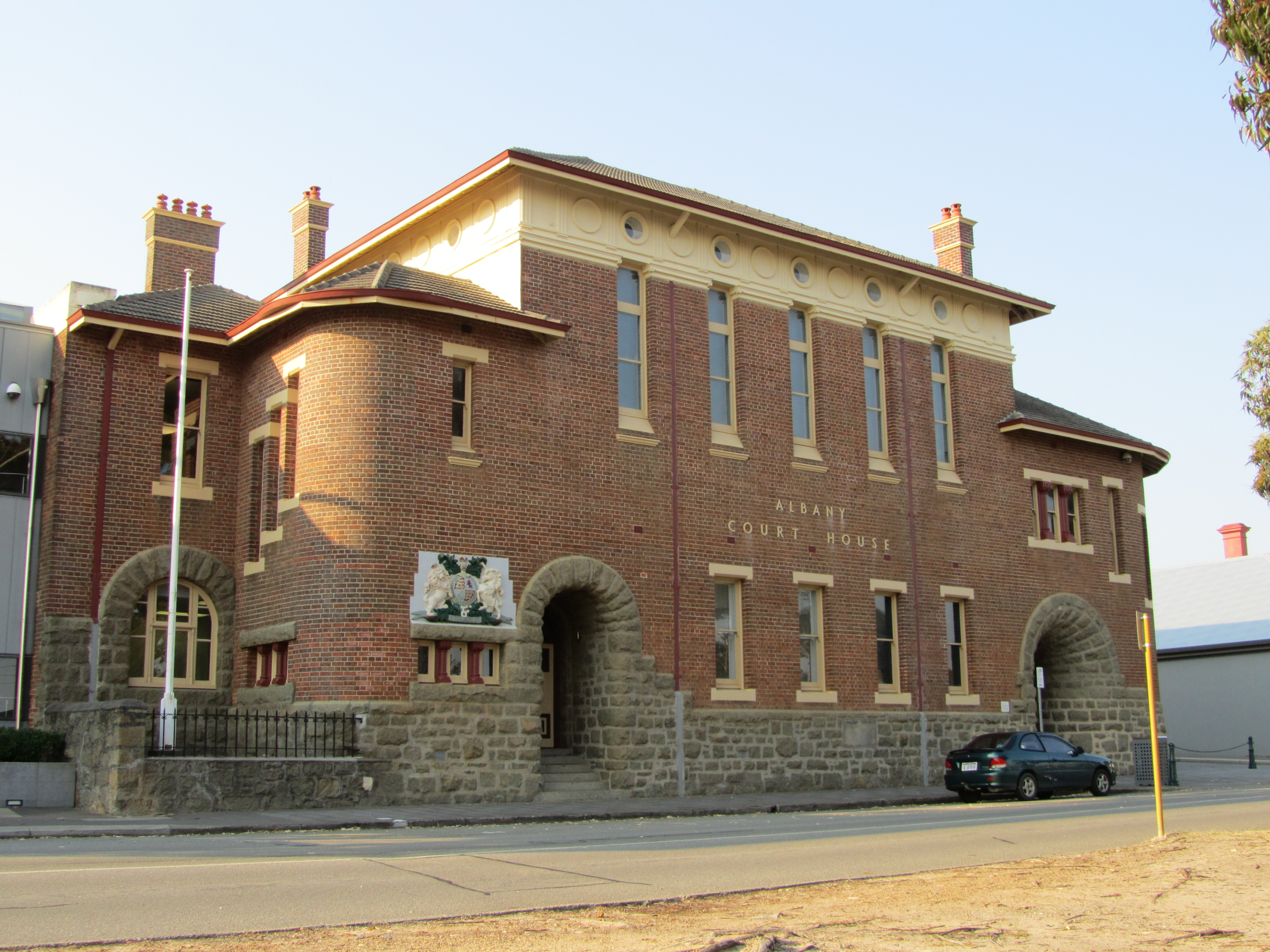 South west (Stirling Terrace) elevation courthouse