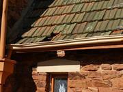 Western facade - detail missing tiles1